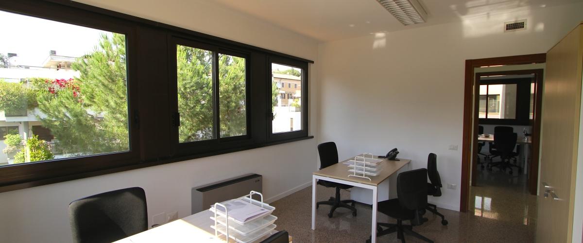 Ufficio arredato S. Pietro
