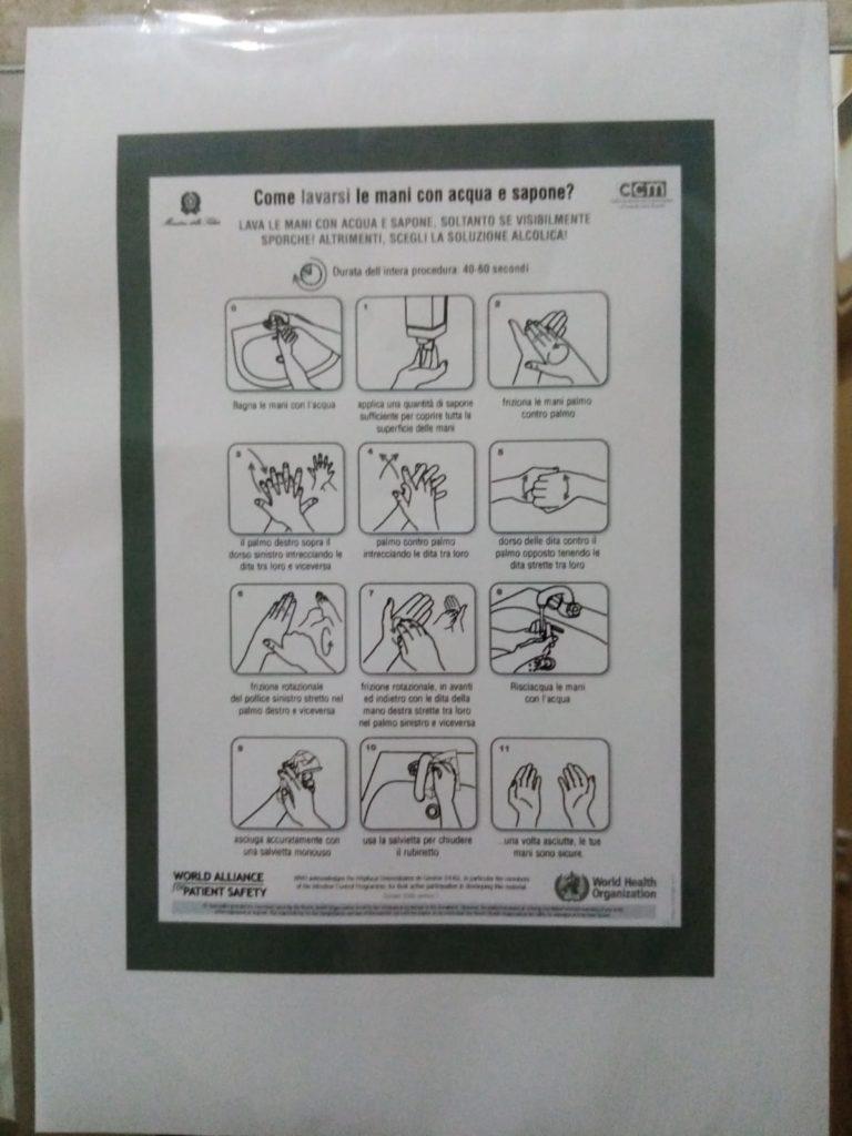 Procedura lavaggio mani bagni Roma